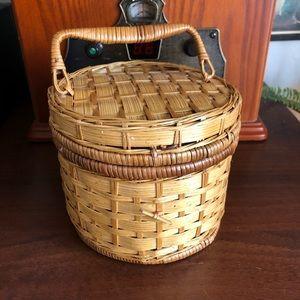 Small wicker round box basket Bin